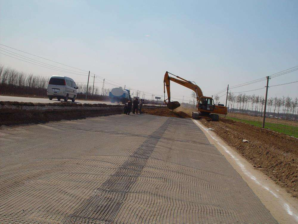 geogrid for road stabilization