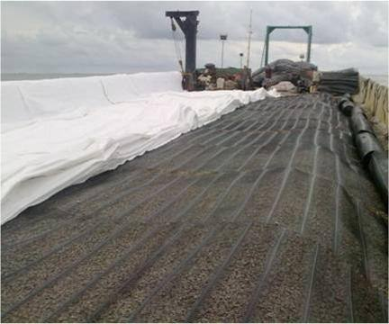 geotextile laying